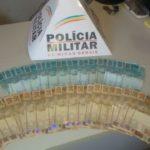 Policia Militar de Fervedouro em ação rápida prende autora de furto e recupera R$ 2.500,00 furtados.