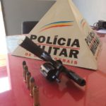 Policia Militar de Orizânia persegue motoqueiro e apreende arma de fogo.