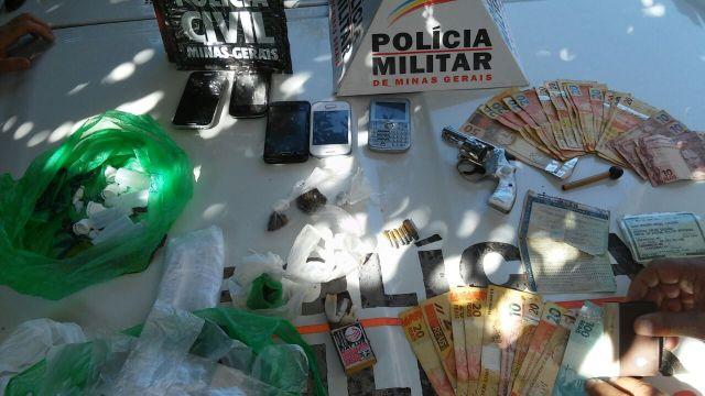 """Policia Militar de Carangola e Policia Civil de Tombos realizam operação """"INTEGRAÇÃO"""" e apreendem  drogas,armas de fogo e munições em Carangola."""