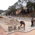 Manhuaçu - Prefeitura realiza mais obras de calçamento.