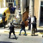 Dupla tenta assaltar Correios em Natividade-RJ, faz reféns e acaba presa.