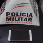 Cerco aos assaltantes: Pm de Carangola prende mais um autor de roubo e recupera célula da vítima.