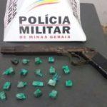 PM de Carangola apreende arma de fabricação artesanal e drogas.