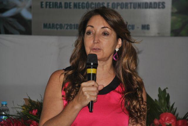 Manhuaçu – Cici Magalhães participa do Dia das Mulheres produtoras de café.