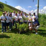Rotary de Carangola realiza plantio de mudas de árvores.