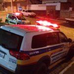 Após comprar um papelote de sal achando que era cocaína, mulher chama a PM e traficante é detido em Fervedouro.
