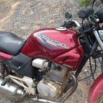 PM de Carangola recupera moto furtada.