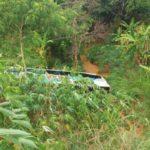 Onibus da 1001 sofre acidente.