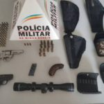 Polícia Militar apreende armas de fogo e munições em Fervedouro
