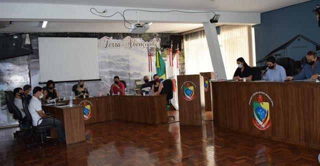 Espera Feliz – Veja como ficou a organização política e administrativa do município.